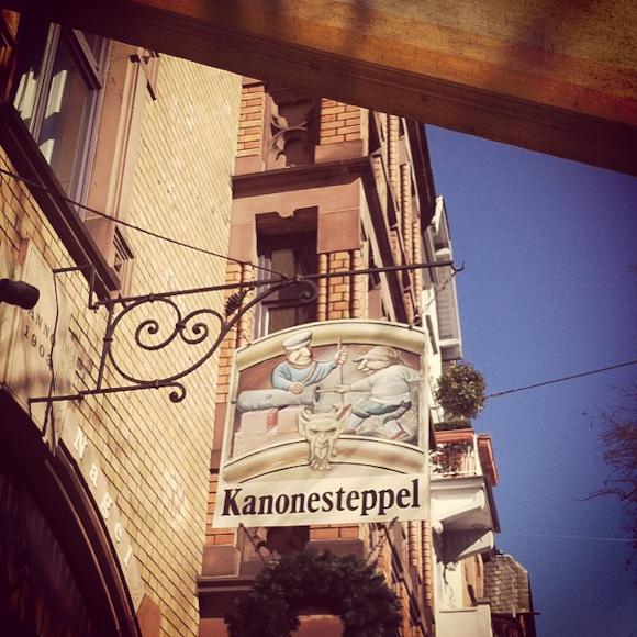 Kanonesteppel, Textorstraße
