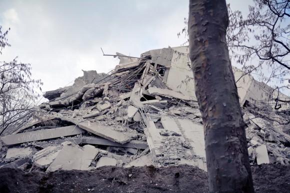 AfE Turm nach der Sprengung